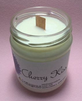 cherry_kiss_candle2